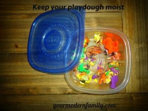 keeping playdough moist 2 001