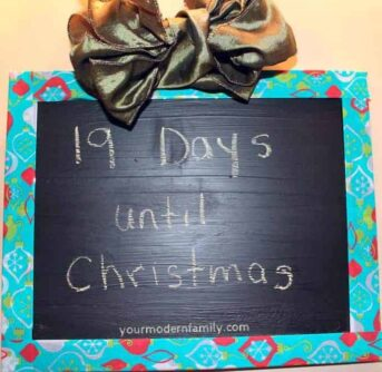 chalkboard Christmas Countdown from old picture frame