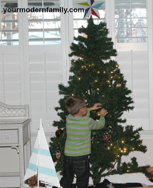 decorating for Christmas - 5 things that I love about christmas break