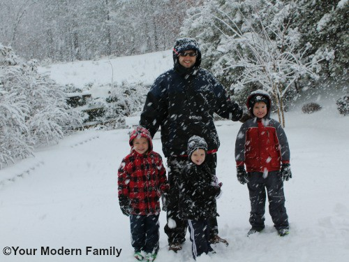 Fun in the snow! How to build an igloo (full directions & pictures)