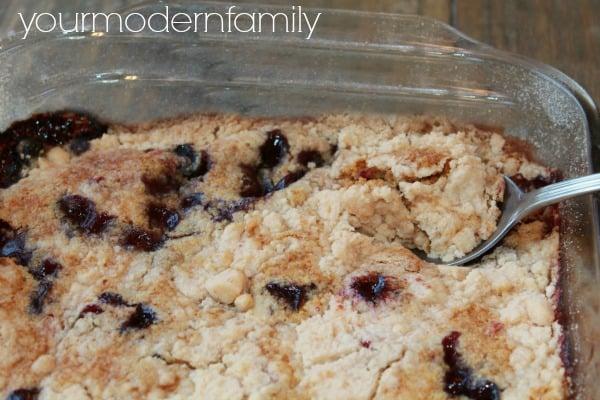 Blueberry dump cake - SO good!!