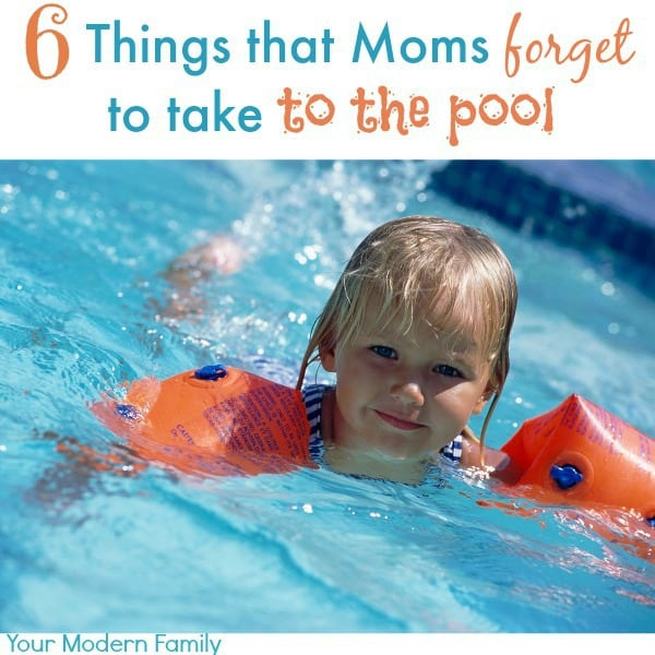 6 things that moms forget to take to the pool