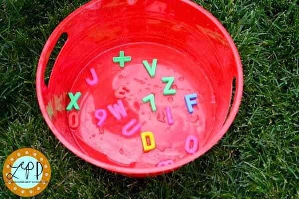 2014-8_logo_Alphabet Splash-8