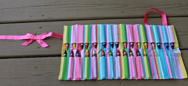 crayon roll up craft