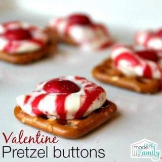 Valentine Pretzel Buttons