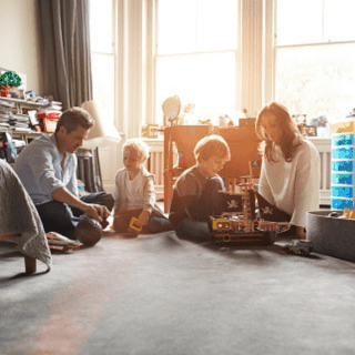 20 Ways Families Can Stay Connected