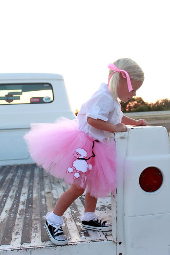 No Sew TuTu costumes for little girls - poodle skirt
