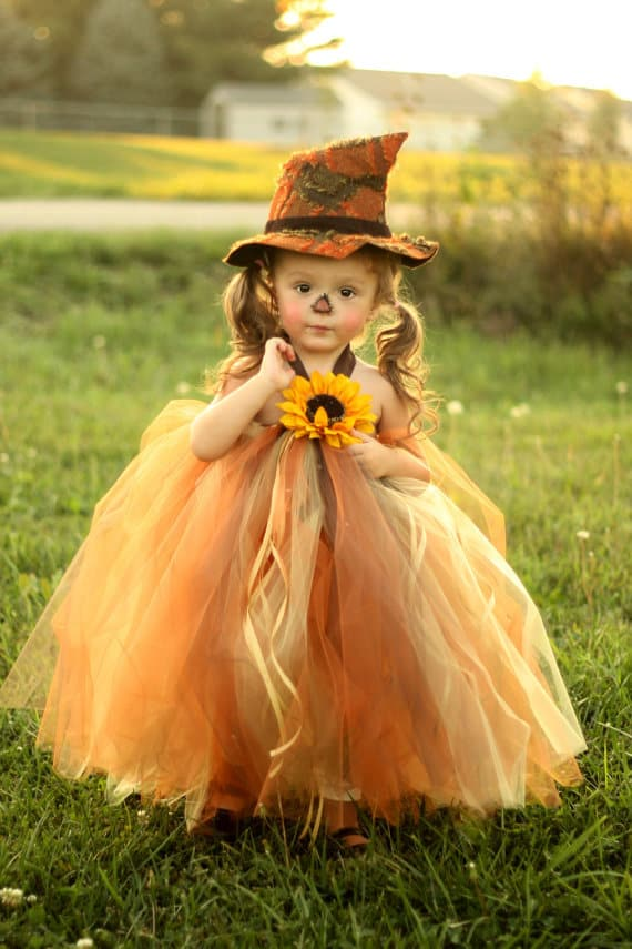 No Sew TuTu costumes for little girls - scarecrow costume