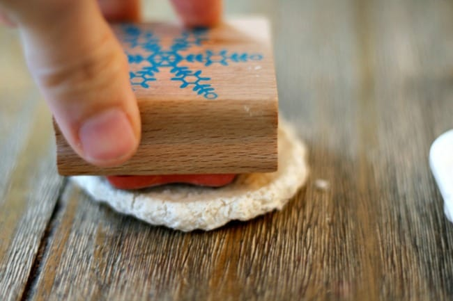 salt-dough-ornament-frozen-stamp