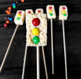 A treat made to look like a traffic light.
