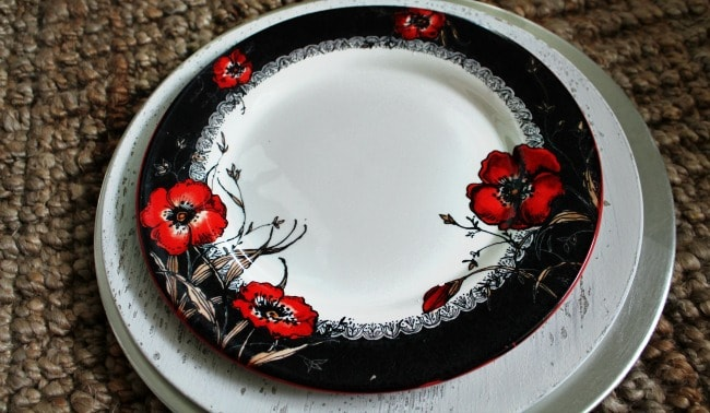 A flower decorated plate.