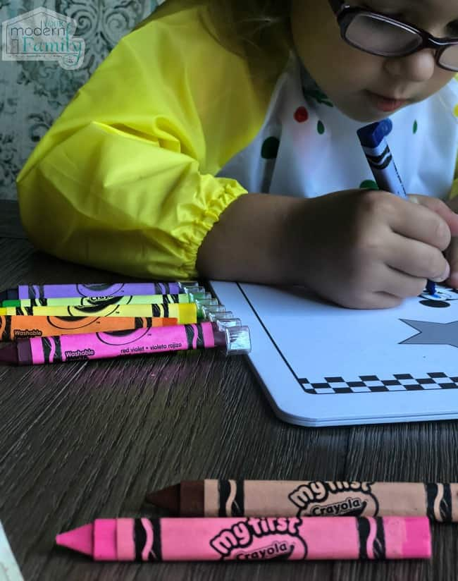 10 ways to help a toddler's creativity #MyFirstCrayola #ad