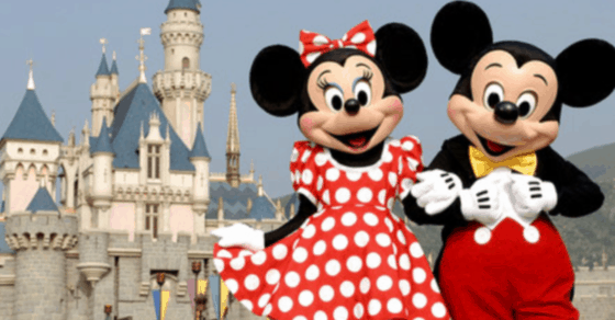 2020 disney world trip - tips from a Disney insider #Disney #Vacation #Orlando #WDW #disney20202 #Disneybound #MickeyMouse #Family #familyvacation