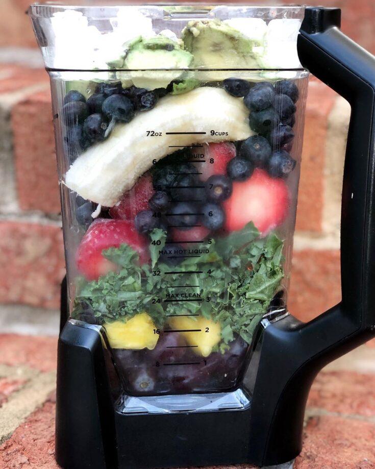 Kale & Fruit Breakfast Smoothies
