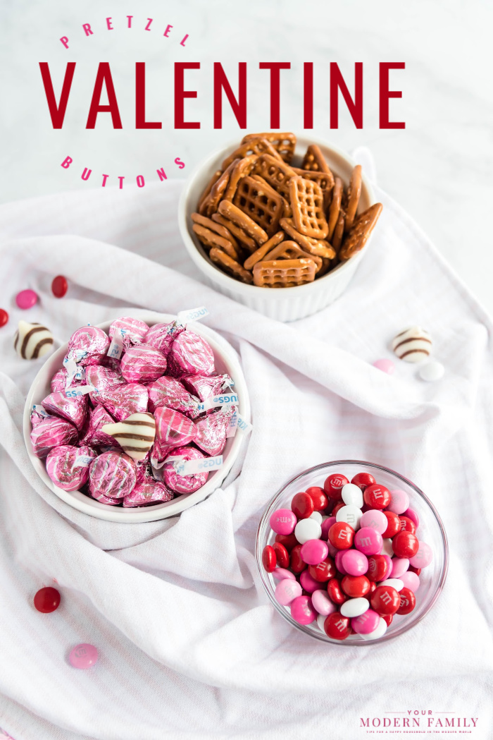 Ingredients to make White chocolate Pretzels for Valentine\'s Day